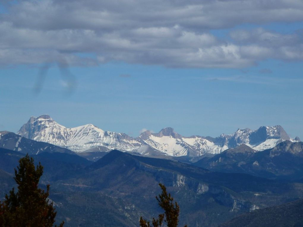 Le Plateau du Vercors et le Dévoluy enneigés