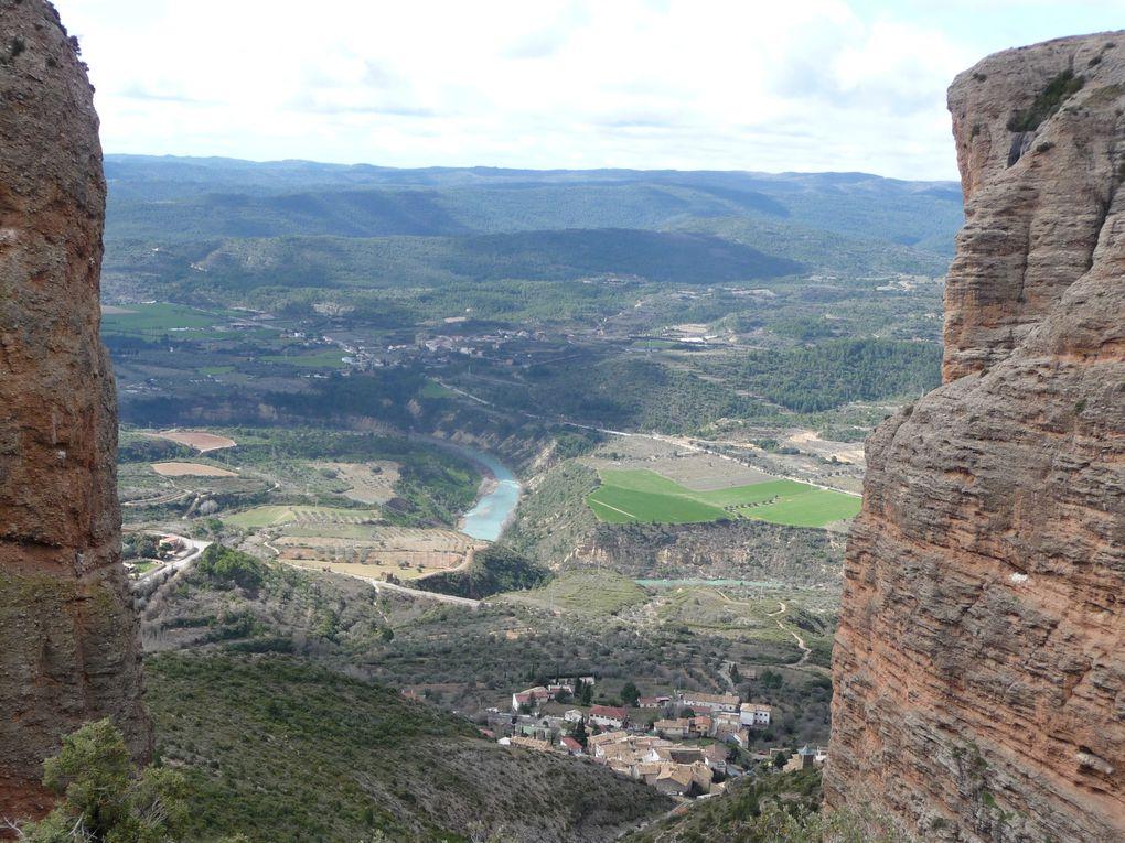 Los Mallos vue du bas, du haut