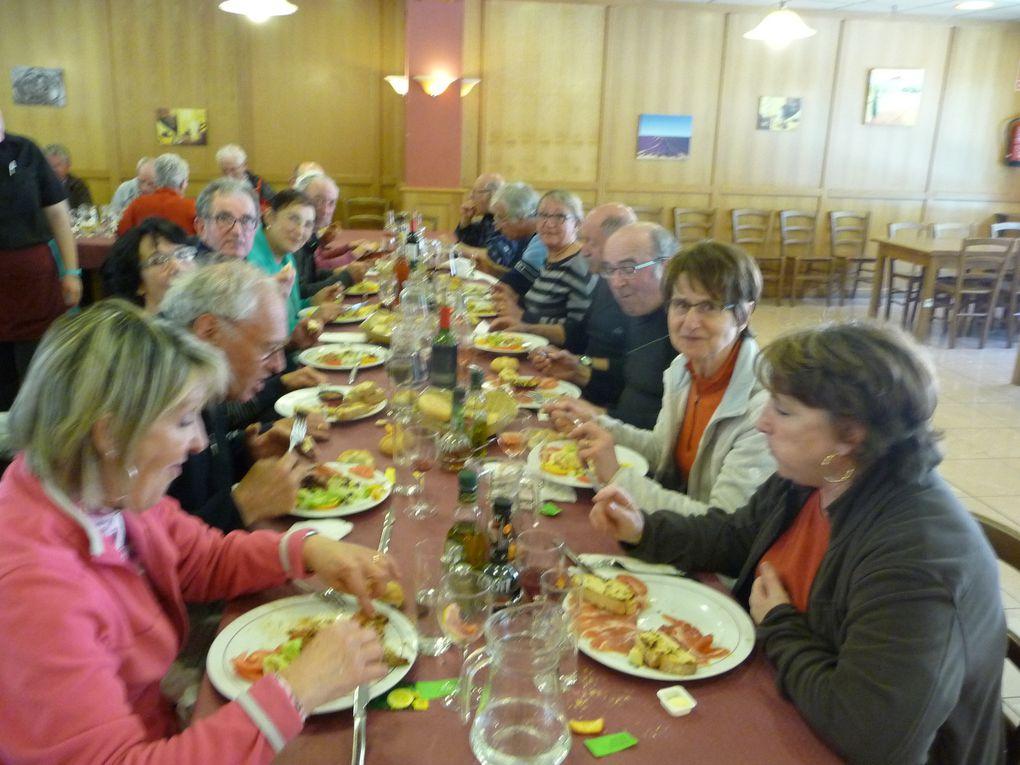 La journée s'est poursuivie devant de bonnes assiettes, au Restaurante XABI à Valcarlos (Espagne)