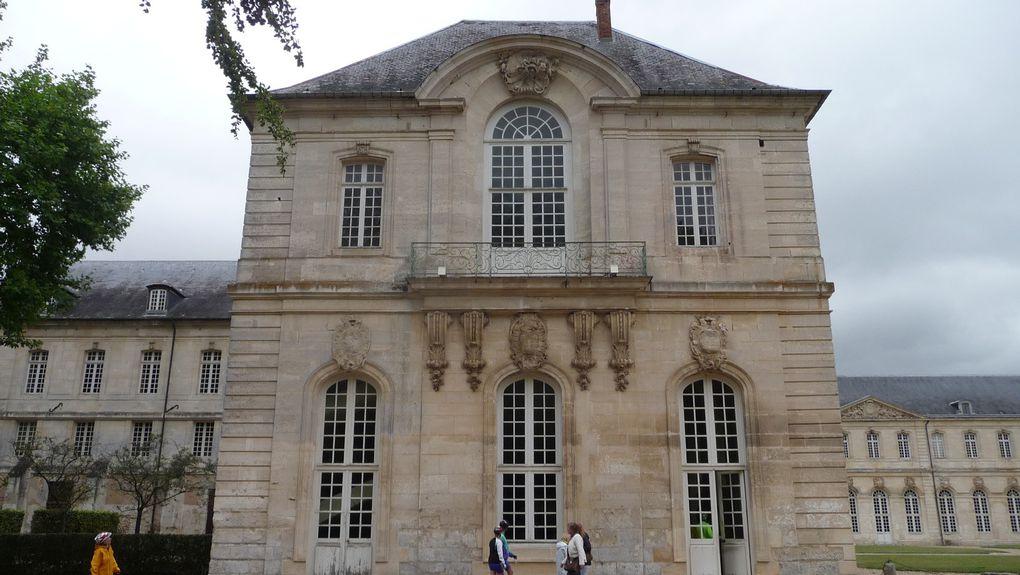 L'abbaye de Bec Hellouin.