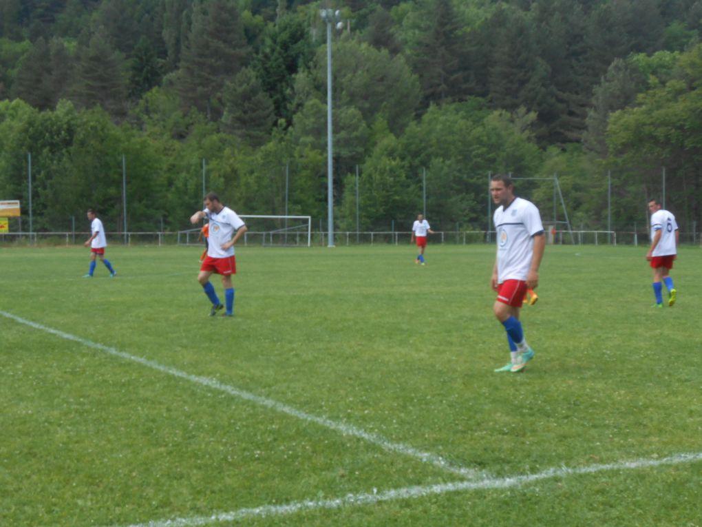 Foot : une belle victoire de l'équipe une pour clôturer la saison