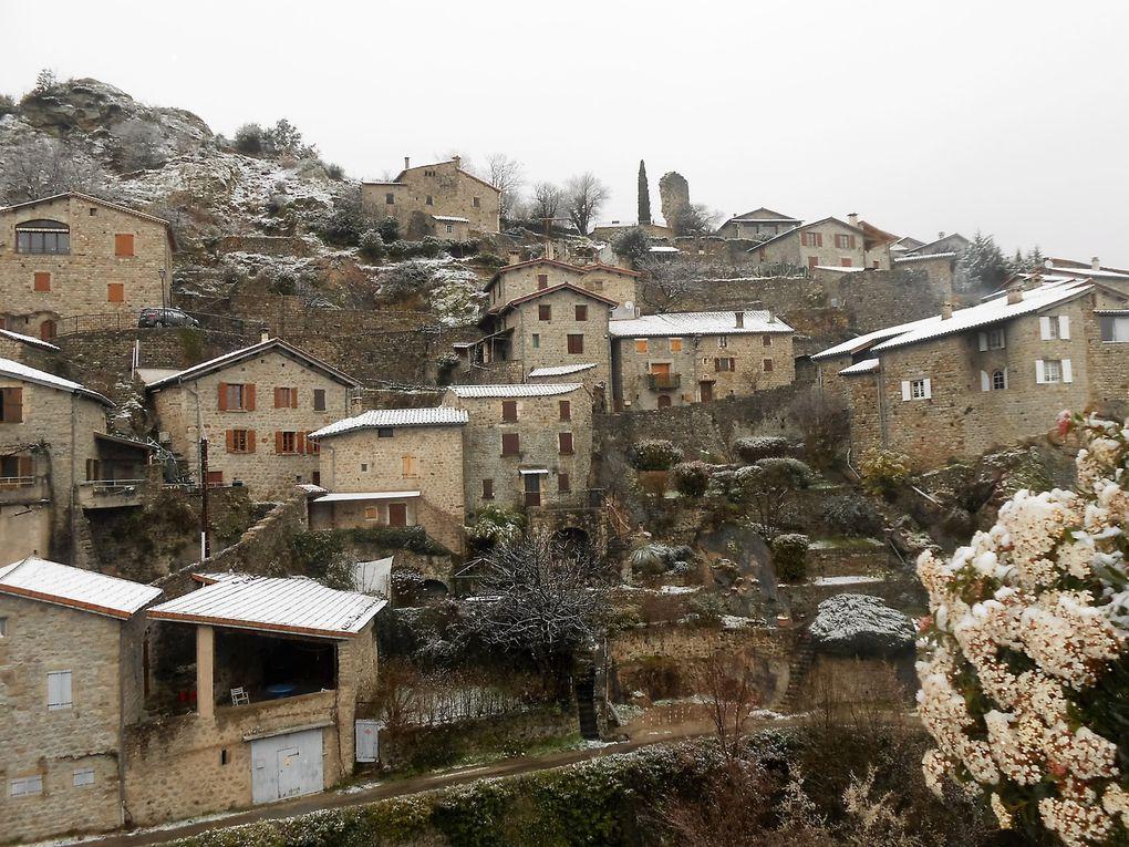 Mercredi 9 mars vers 16 heures, un voile de neige sur Jaujac