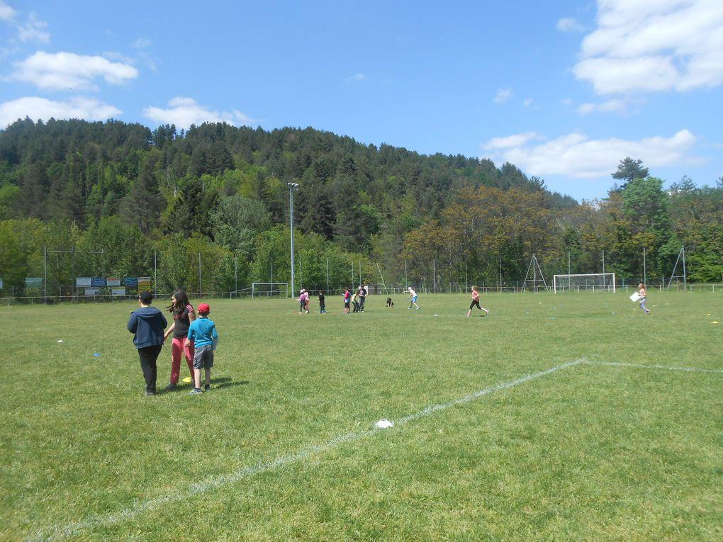 Rencontres sportives inter-écoles sur le stade Paul Bigillon