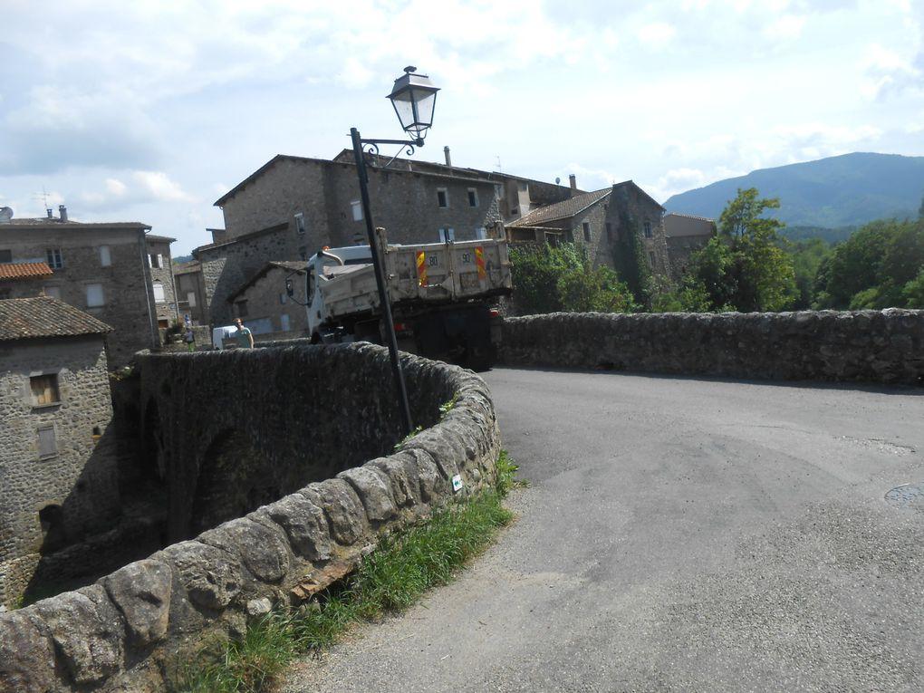 mercredi 8 juin, vers 16 heures, le chantier arrive sous le Chastelas
