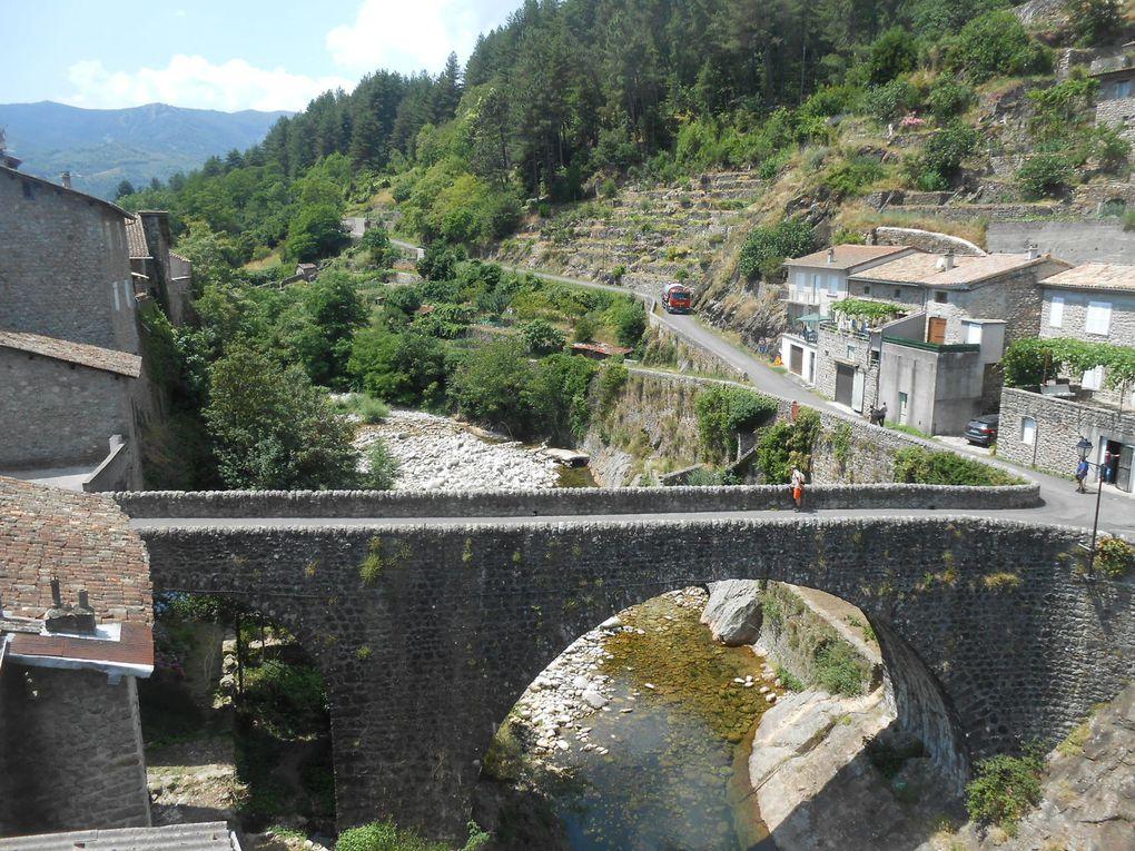 Vendredi après-midi, dernière portion de route, la jonction avec le pont du Chastelas et la route de Ladreyts : goudronneuse et camions se font des politesses