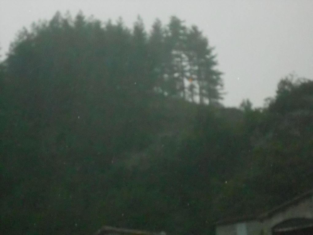 La foudre est tombée sur la colline du Chastelas