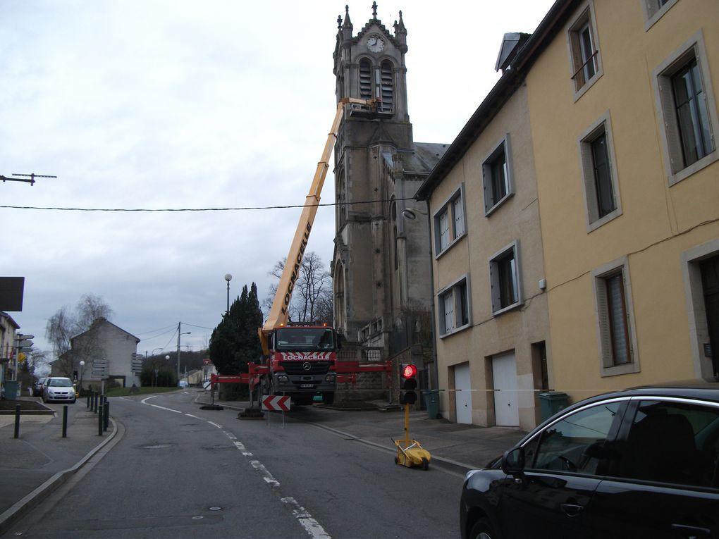 Le clocher de Maxéville paré de nouveaux atours...