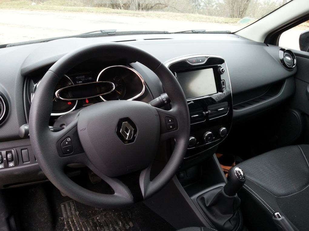 Test clio iv dci 90 expression test auto for Verification interieur exterieur clio 4