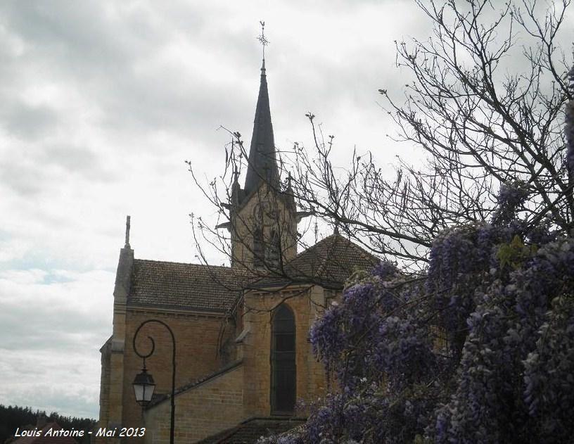 Eglise de l'Assomption à Saint Igny de Roche (reconstruite fin XIXe siècle)