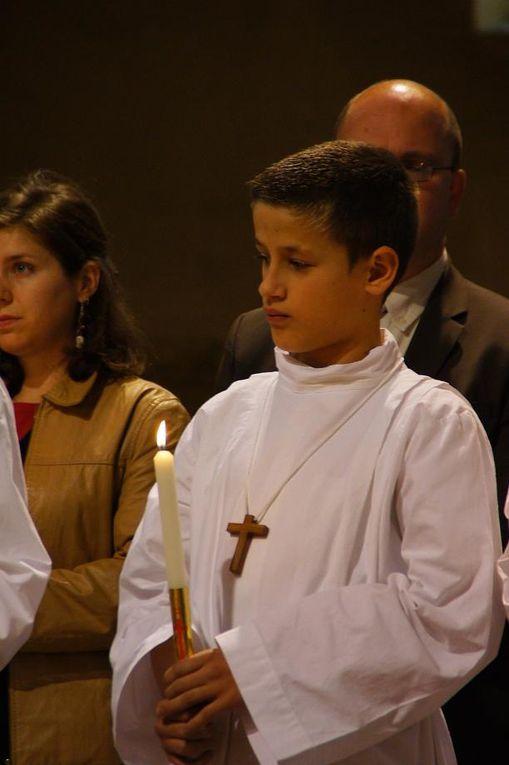 Neuf enfants  font leur profession de Foi