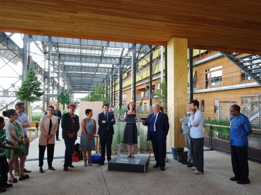 Inauguration des jardins Rosa Luxemburg en présence de Madame Colombe Brossel, adjointe à la Maire de Paris en charge des Espaces Verts, de Mr Eric Lejoindre, Maire du 18e, de Mr Daniel Vaillant, Député de la circonscription, d'élus du 18e, de représentants associatifs et de riverains - Photos ASA PNE.