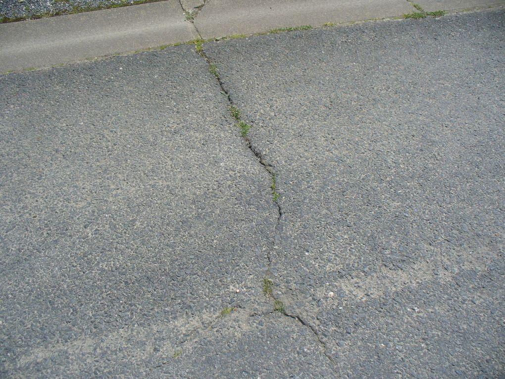 La chaussée dégradée a pourtant été refaite il y a trois ans.. ... qui va payer pour  la nouvelle réfection ?