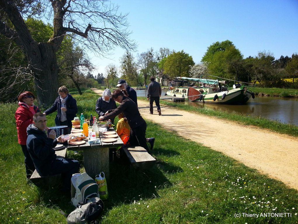 Reportage photo Thierry. Navigation sur le canal, entre Nort sur Erdre et la Rabinière