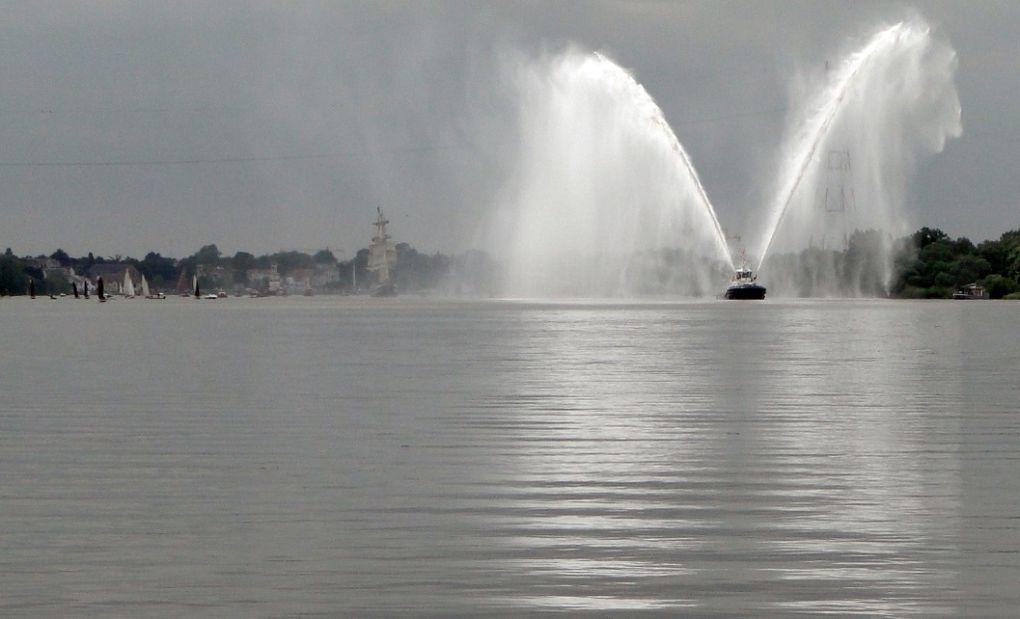 La remontée du Belem et de la flottille, entre Le Pellerin et Nantes