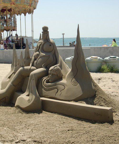 Sculptures de sable, le vieil homme et la mer, vagues, vue sur le parc et la mer, palmier, sculpture de fer et de bois...