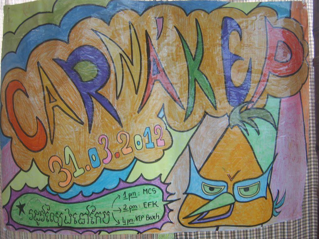 Affiches réalisées par les enfants pour le carnaval de Kep 2012, sous l'oeil attentif de Lulu