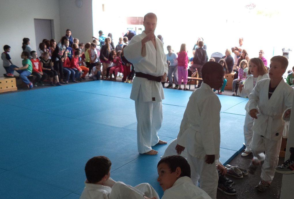 Démonstration de Judo par les enfants de l'école AUBRAC