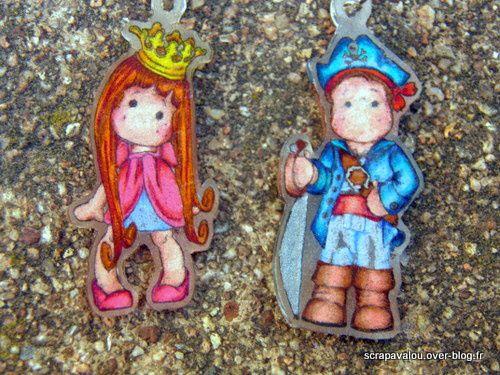2 nouveaux porte-clés....version un gars,une fille..................