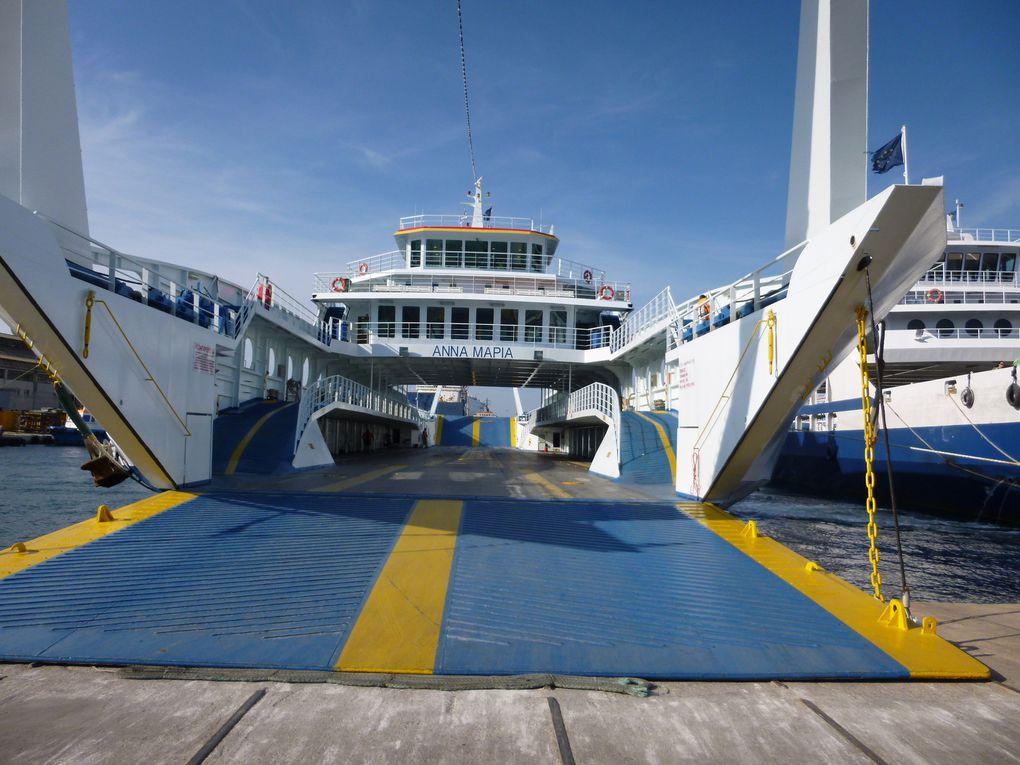 resto sardines/poissons au Pirée - le luxe extrême sur l'eau - Hotel au Pirée - ferry pour l'île de Salima