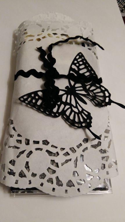 """La page papillon par Sandra scrap """" Luperce""""."""