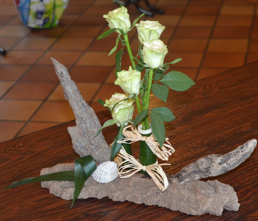 D coration florale d 39 yves grancher et pascal levaillant for Composition florale avec bois flotte