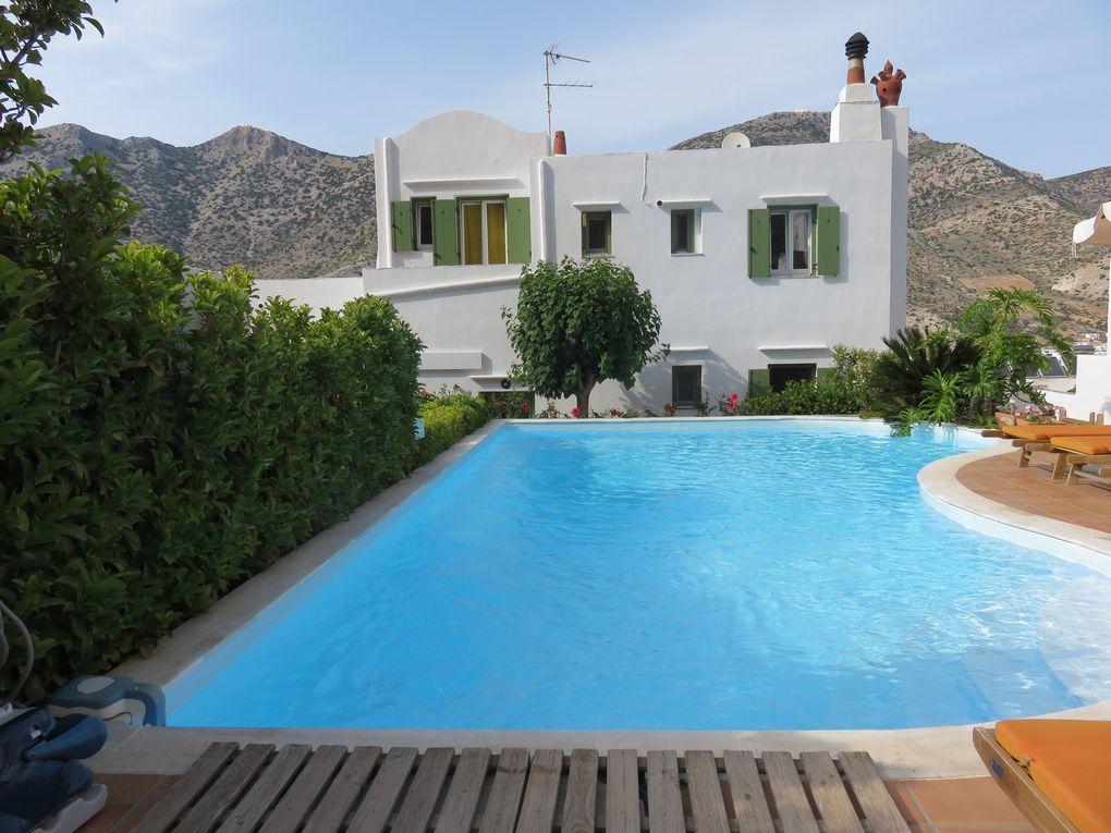 L'hôtel Margado (Sifnos), la vue de notre chambre et la piscine