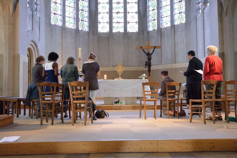 Soirée prière et adoration à St Vincent de Paul le 6 juin 2014