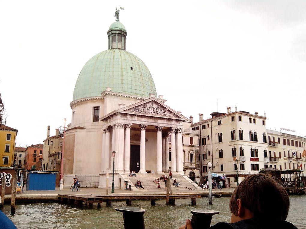 Luna de miere la Venetia, orasul plutitor.