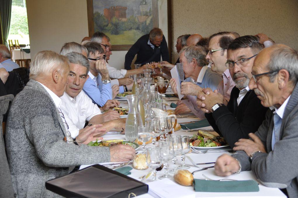 L'arrivée au restaurant, le repas et le stade des lumières de Lyon