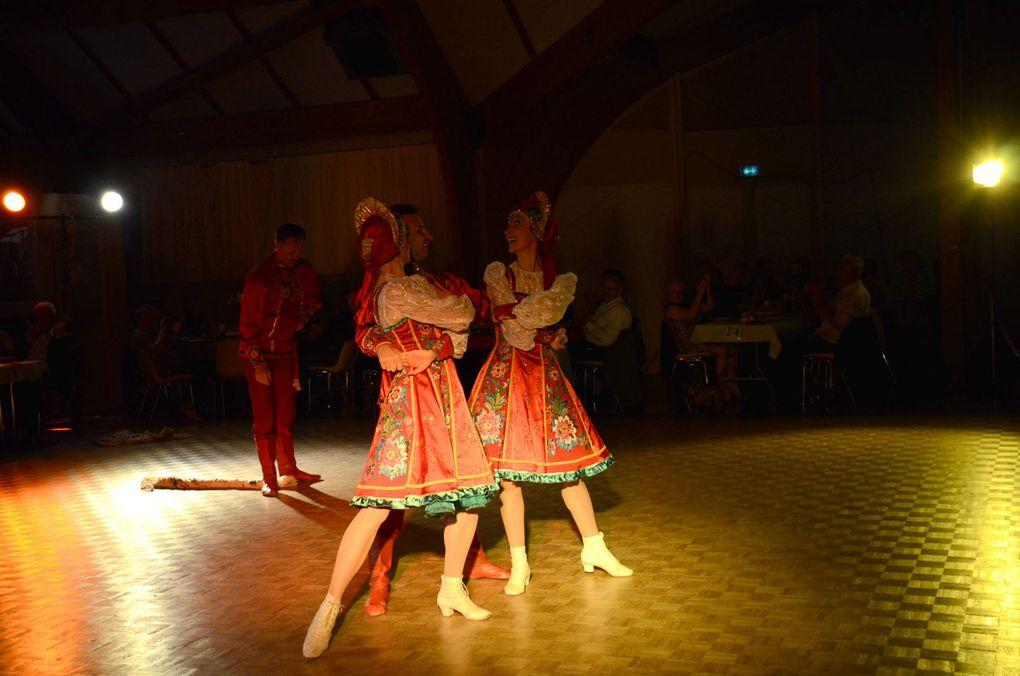 """Très belle ambiance lors de la soirée Russe organisée par """"Musica Danse"""" Ecole Scherzo de Trouy, avec l'ensemble Yulishka (Bourges) et les Ballets du Prince Igor (Paris)"""