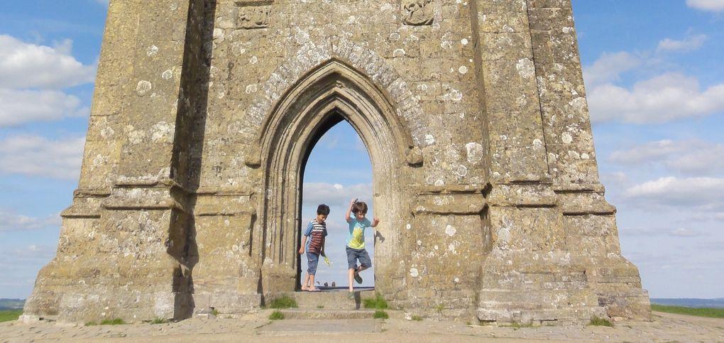 Tour  et abbaye de Glastonbury