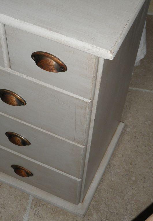 Grainetier 15  tiroirs ivoire style campagne chic finition vieillis patine cirée