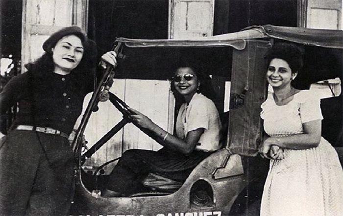 Les trois soeurs et le dictateur, Elise Fontenaille