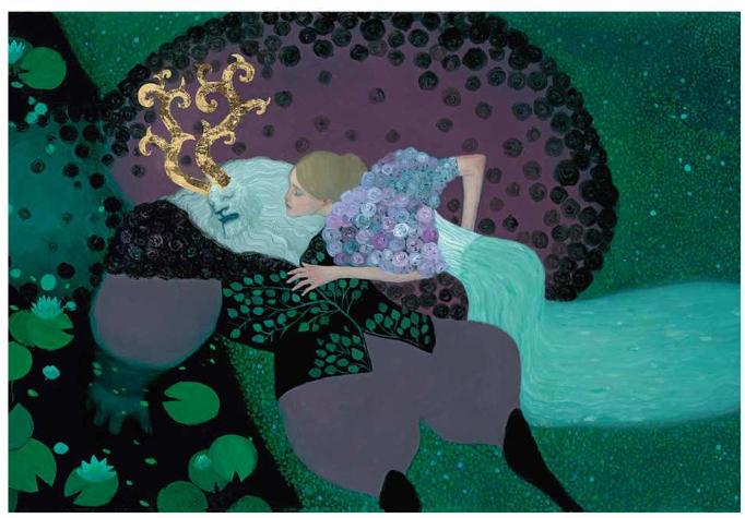 l y a des cavaliers et des chevaliers, de belles princesses qu'il faut secourir, des forêts profondes pleines de sortilèges et partout des animaux envoûtants, qui savent les sagesses anciennes.   Et puis surtout, il y a des couleurs, des motifs récurrents : fulgurances obscures, semis de lumières et nacres évanescentes. Ce portfolio rassemble en grand format une sélection de vingt de ses illustrations les plus marquantes. Elles sont issues de La Belle et la Bête, Le Bonheur prisonnier, Le Coffre enchanté, La Colère de Banshee, Féroce, Folles saisons et La Prisonnière du brouillard. Ces images sont un splendide encouragement à découvrir ses livres. Une invitation à émerveillement, en somme.