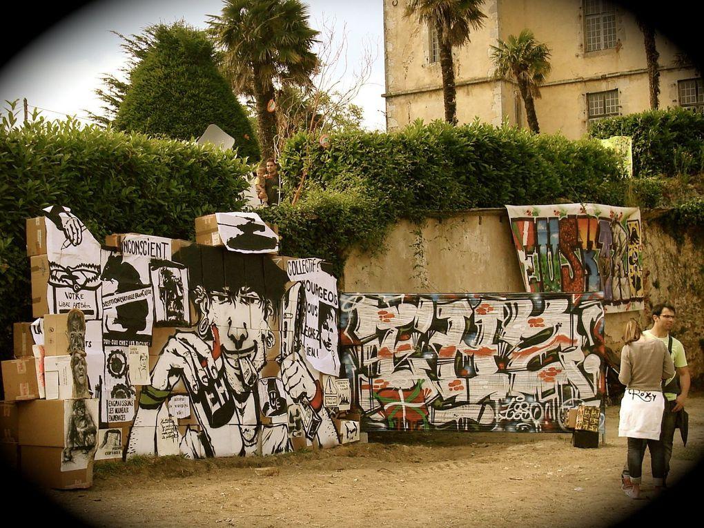 """POINT EHZ'AN !!!! MILESKER À TOUTE L'ORGANISATION POUR VOTRE SUPER ACCUEIL (MILESKER XABINA ! &#x3B;D) ET MILESKER AUX ARTISTES POUR LA CRÉATION DE CE MUR !!! PROCHAIN RDV """"BAIONAKO BESTAK 2013"""" AVEC PLEINS DE BELLES SURPRISES !!!"""