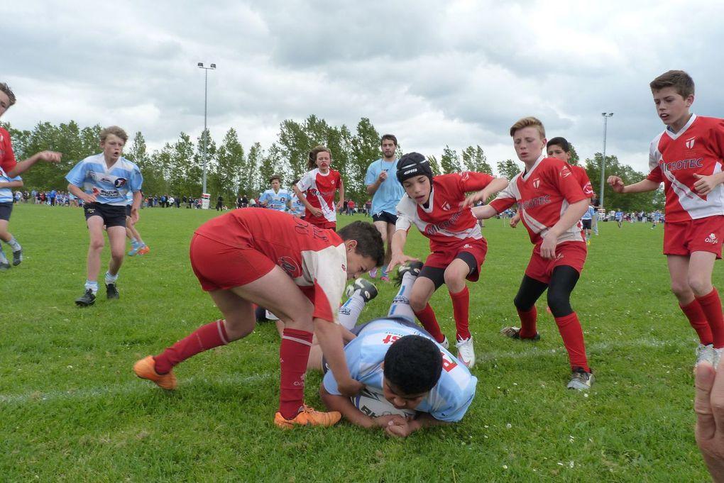 La plupart des joueurs de l'école de rugby était en déplacement pour le tournoi Jean BAYLET sur les terrains de Valence d'Agen jeudi 14 mai. Encore une fois les joueurs ont tout donné  (U8 : 9ème&#x3B; U10 : 3ème&#x3B; U12 : 1er et U14 : 2ème ) et ce fût une explosion de joie lors de l'annonce des résultats : 1ère place sur le podium pour l'école de rugby de Cahors ! Félicitations à tous et RDV le we prochain à Villefranche de Lauragais et Figeac.
