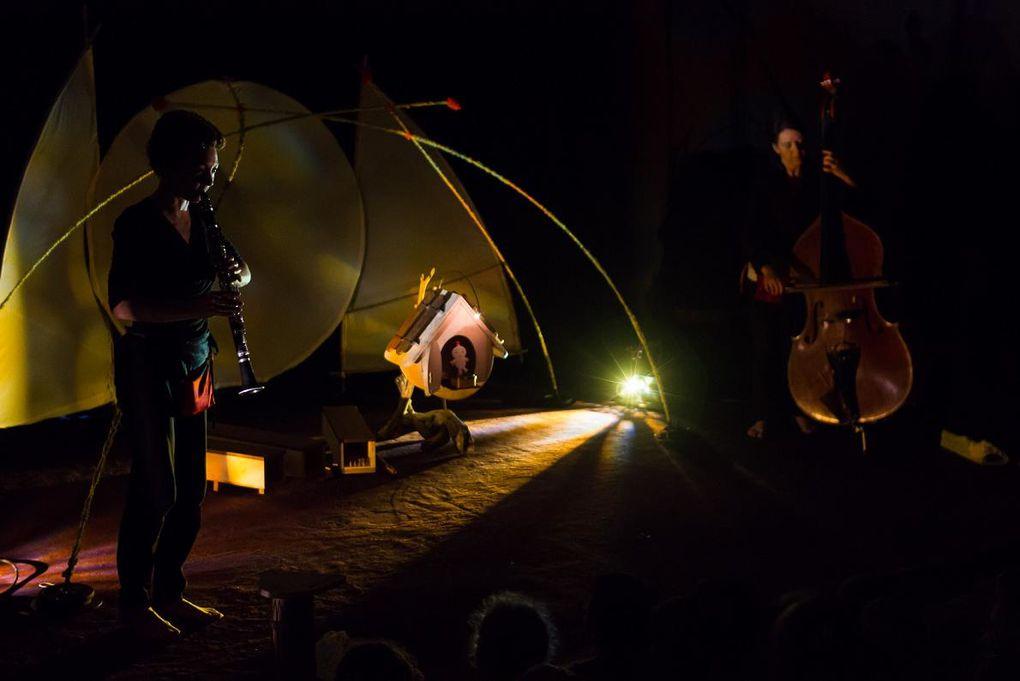 La Cabanote, un spectacle entre sons, ombres et lumières