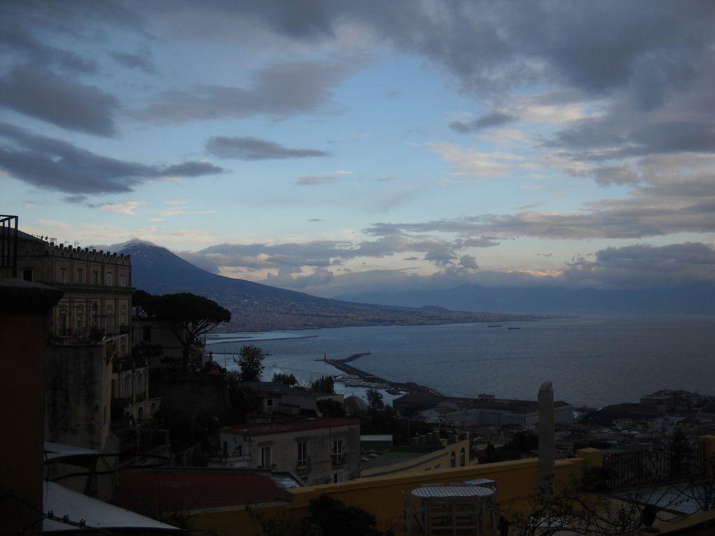 Naples... Les voyages sont le paradis des fous