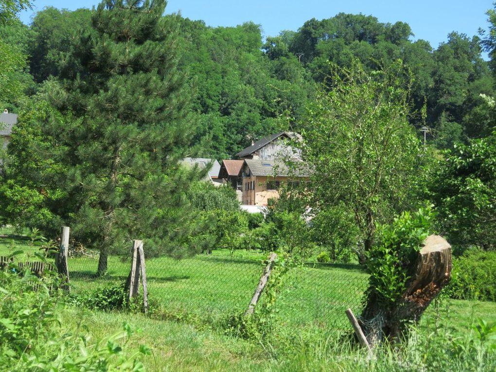 Le village de Ste Hélène est en vue