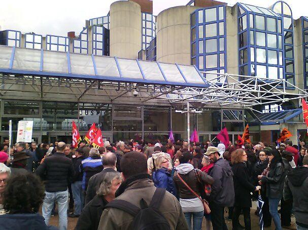 [Photos] Libération des camarades arrêtés hier à Saint-Denis