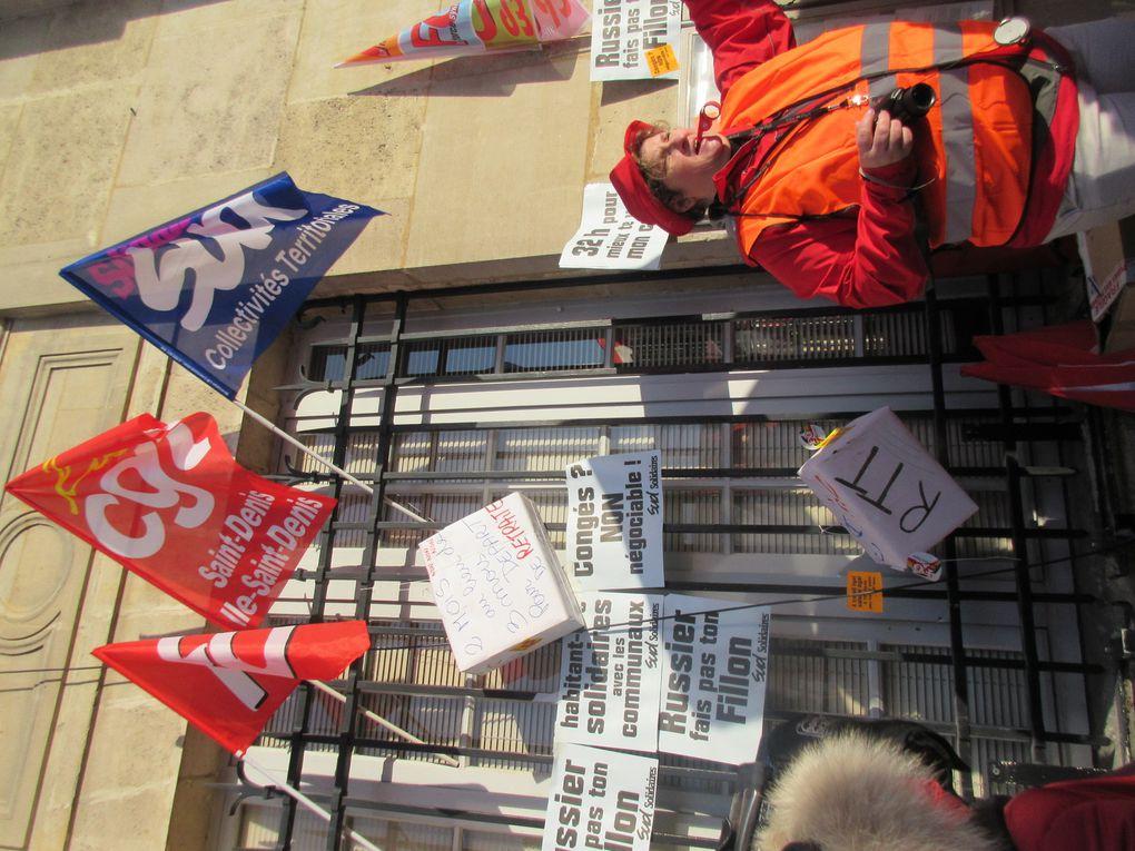 Des images prises devant la mairie (Camarades de SUD Education et de la CGT RATP)