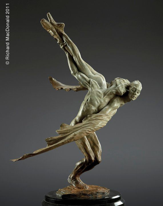 Sculptures de Richard MacDonald.