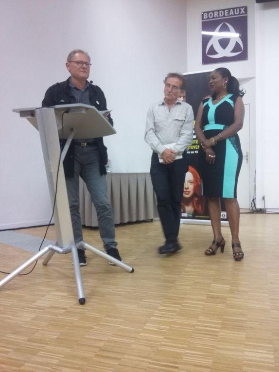 L'association PourQuoiPas &#x3B; une équipe présente pour le lancement de la Quinzaine.