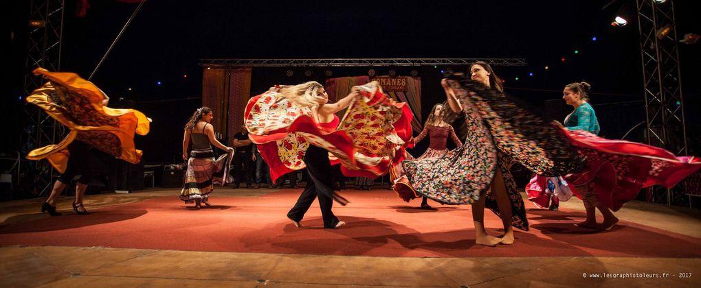 Les artistes du Cirque Romanès
