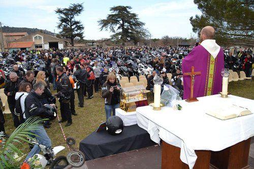Bénédiction de motos à la sainte Baume (83)