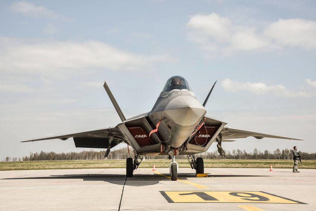 Des F-22 Raptor de l'US Air Force rejoignent la Lituanie
