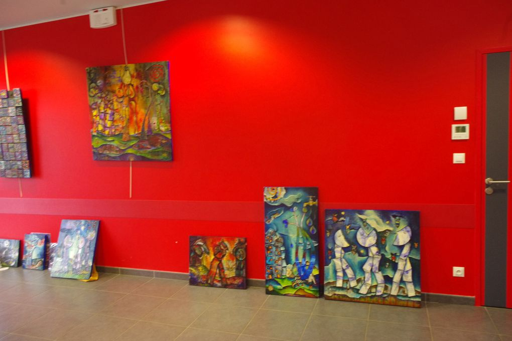 Vendredi 25 novembre, au matin, arrivée des artistes et installation...Vernissage à 18h