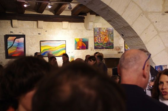 Beaucoup de monde au premier vernissage de Source d'inspiration....