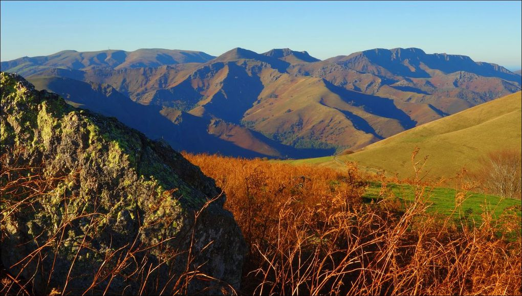Munhogaïn depuis le col d'Aharza (Pyrénées-Atlantiques 64) AA Rando