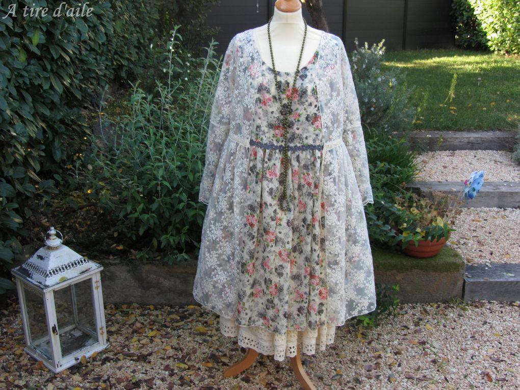 robe voile de coton fleuri a tire d 39 aile. Black Bedroom Furniture Sets. Home Design Ideas